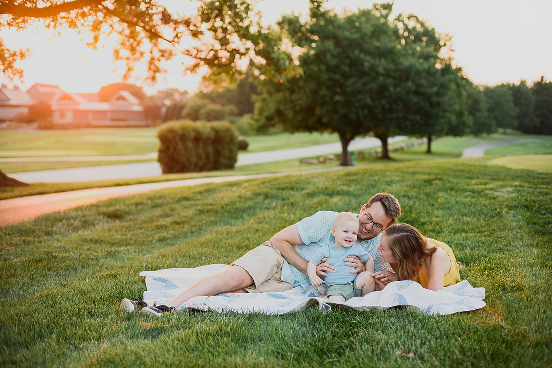 Sunset family photography session at Smith Mountain Lake, Virginia, by Laura Richards Photography